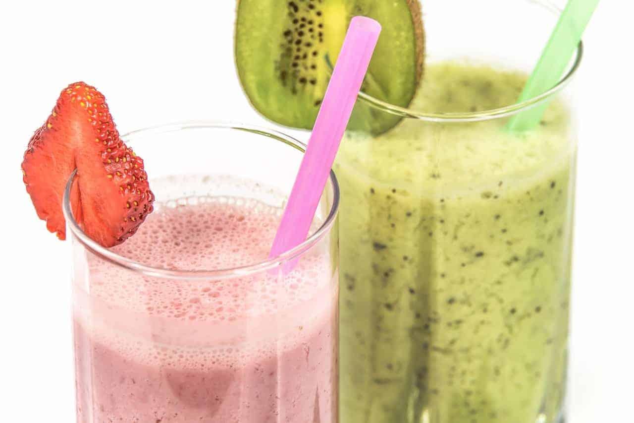 Strawberry and kiwi smoothies