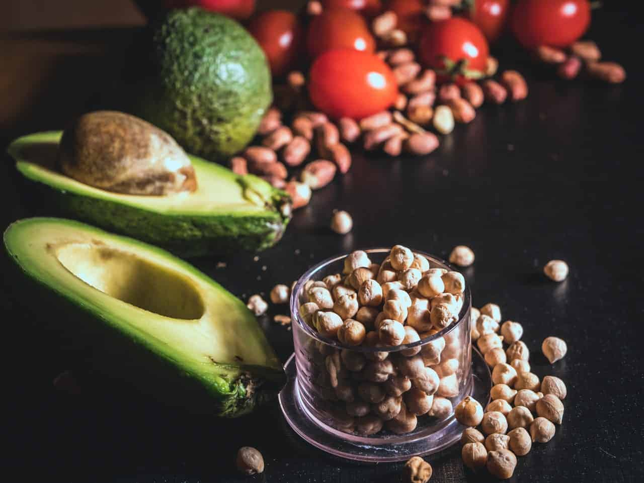 Chickpeas, avocados and cherry tomatoes
